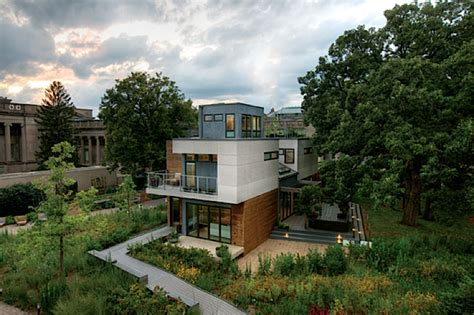 the greenest house in chicago is a self sufficient clean