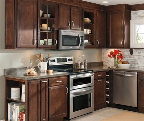 oak kitchen cabinets aristokraft cabinetry