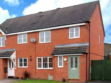 Ludlow Cottages With Parking by 10 Friars Field In Ludlow This Semi Detached House In