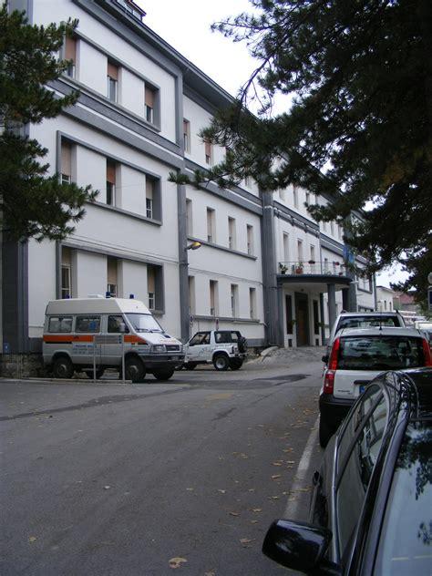 agnone web agnone i parcheggi davanti all ospedale occupati dalle