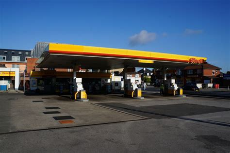 shell garage on a1079 169 ian s cc by