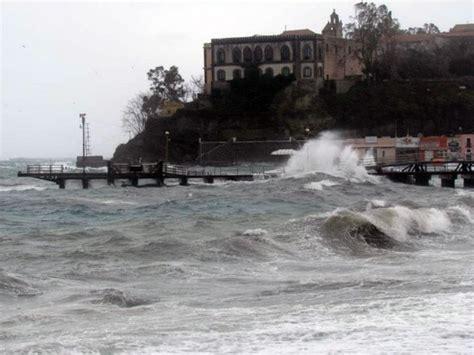 mari e venti porto empedocle maltempo ferme le corse per le isole minori a partinico