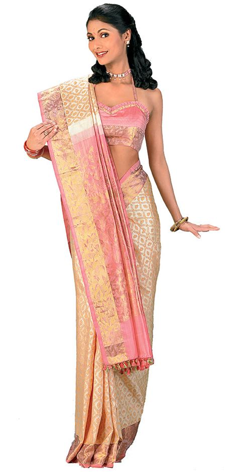 net saree draping style stand out wearing saree in style