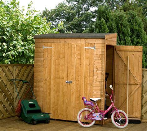 ft    ft  wooden lean  shed front  side door