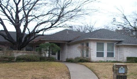 houses for sale in desoto tx 1520 wyndmere drive desoto tx 75115 reo home details foreclosure homes free