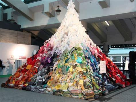 16 foot clothing mountain illustrates hong kong s daily