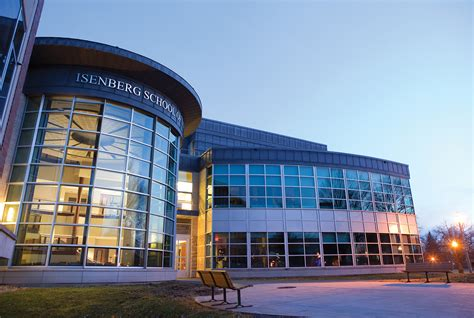 Umass Mba Ranking by Isenberg School Of Management Part Time Mba Ranked 16 In