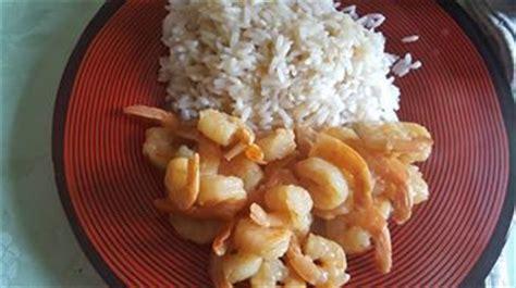 comment cuisiner les crevettes congel馥s curry de crevette recettes cookeo