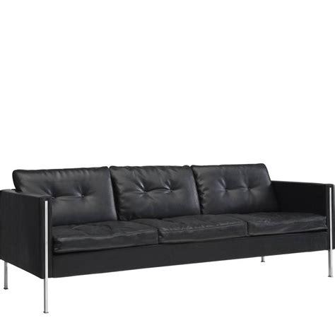 pierre paulin sofa pierre paulin 442 sofa in black faux leather for artifort