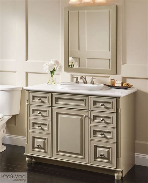 Kraftmaid Bathroom Cabinets With A Premium Finish Of Willow With Cocoa Patina This Kraftmaid Vanity Is The In This