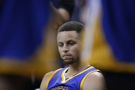 how much does stephen curry bench curry warriors start slow and game 3 of finals gets away