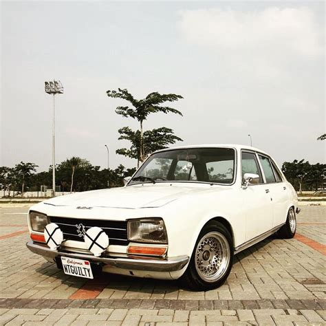 vintage peugeot cars 64 best peugeot 504 saloon images on pinterest peugeot