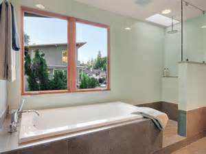 Ideas For High End Plumbing Fixtures Design Contemporary Bathroom Decorating And Arrangement Idea Recessed Lighting Tub Surround Glass
