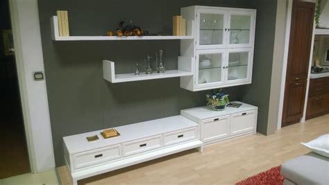soggiorno classico soggiorno classico laccato bianco invecchiato in legno