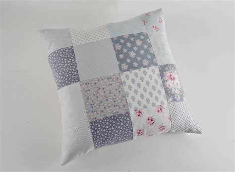 Patchwork Cover - sew what by debbie shore patchwork cushion cover project