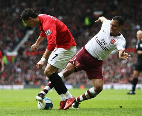 arsenal ronaldo 7 cristiano ronaldo and gilberto silva photos manchester