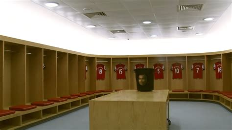 The Chagne Room by Arsenal S Amazing Dressing Room Design At The Emirates