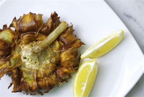 come cucinare carciofi alla romana carciofi alla giudia ricetta e differenze con i carciofi