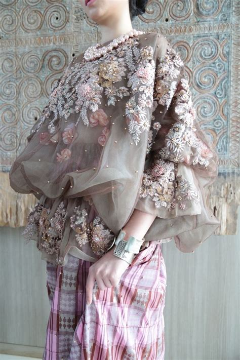Anarkali Baju India 001 white elegance by svarna by ikat indonesia 001 my