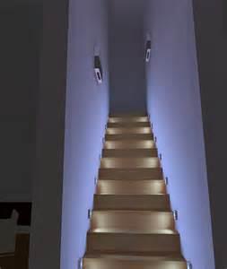 treppenaufgang beleuchtung beleuchtung f 252 r einen schmalen treppenaufgang