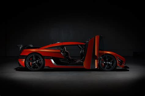 koenigsegg one 1 doors agera final series koenigsegg agera one of 1 open doors