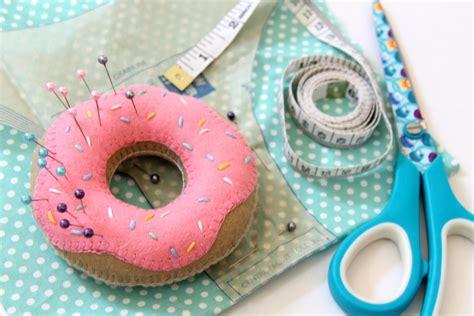 how to make a pin cusion doughnut pin cushion tutorial