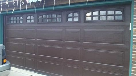 Raynor Garage Doors Reviews A Raynor Brookview Garage Door In Darien Il The Review