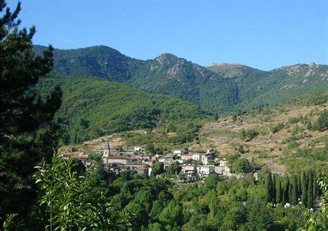 file arrigas village france 2005 jpg wikipedia