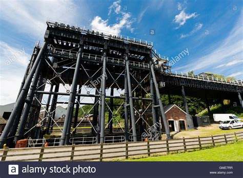 boat lift england anderton boat lift river weaver navigation england uk