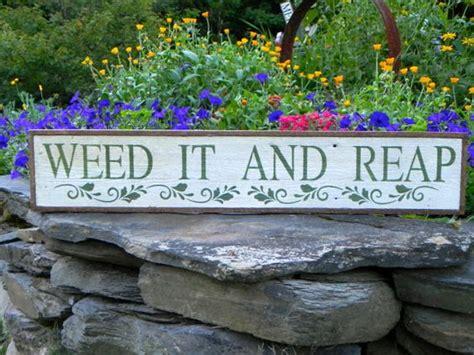 super funny garden signs  girl   glue gun