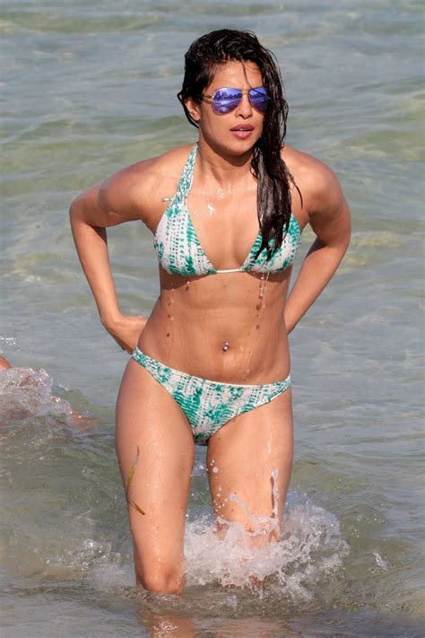 priyanka chopra en bikini priyanka chopra in bikini on the beaches in miami fl 05