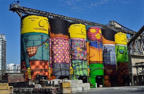 hermanos gemelos transforman silos en gigantes de colores