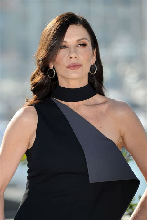 catherine zeta catherine zeta jones quot cocaine godmother quot photocall in