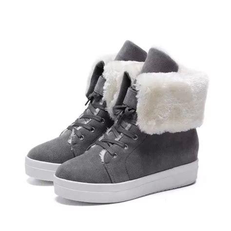 Sepatu Boot Musim Salju sepatu bot musim dingin fashion wanita boot sepatu