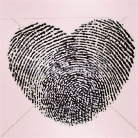 thumb print tattoo 25 best ideas about thumbprint on