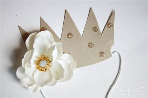 How To Make Paper Crowns - paper crowns tutorial paper crowns crowns and crown