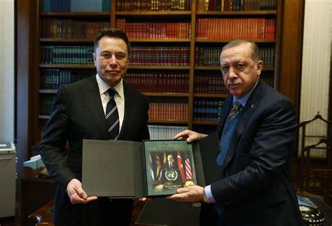 elon musk gifts erdogan gifts elon musk a picture of himself cringepics