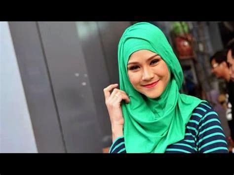 Lipstik Zaskia Mecca zaskia mecca sempat tak percaya diri untuk merilis