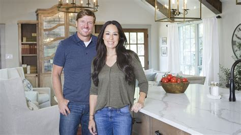 fixer upper canceled when does fixer upper behind the design season 2 start