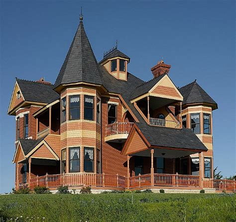 build a victorian house a queen anne victorian designed in 1885 but built in 2002
