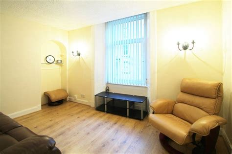 2 bedroom flat to rent dundee 2 bedroom flat to rent in rosefield street dundee dd1 5pp dd1