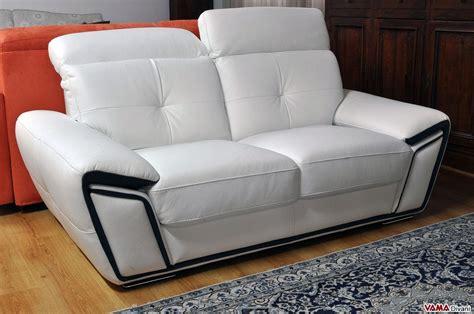 offerte divano divano in pelle con poggiatesta relax in occasione