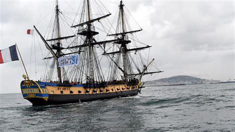 bateau hermione corse escale 224 s 232 te le d 233 roul 233 de la parade du mardi 27 mars