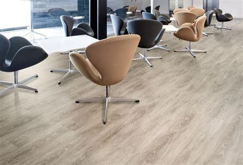 pavimenti in linoleum costi pavimenti pvc effetto legno pavimentazioni