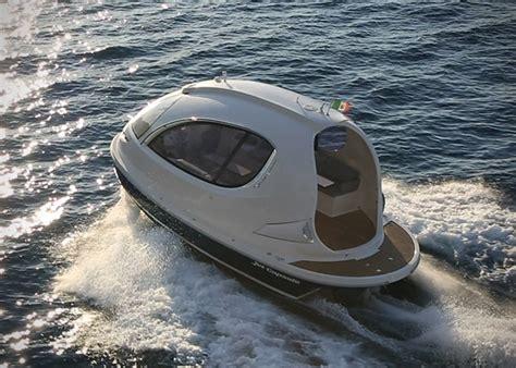 mini yacht boat jet capsule miniature luxury yacht hiconsumption