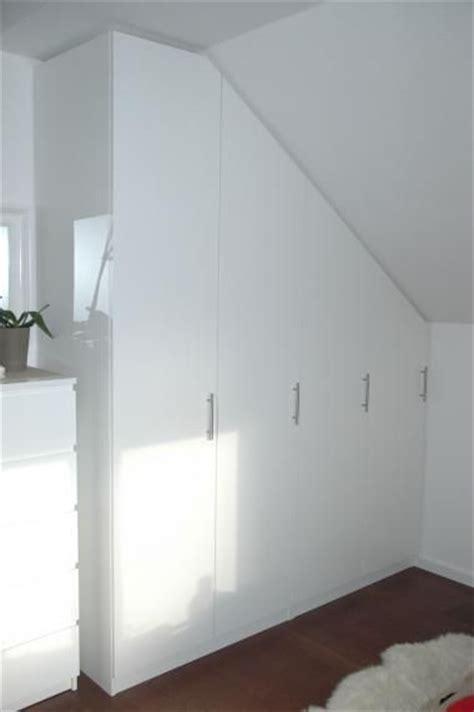 schlafzimmer mit weißer decke design dachschr 228 genschrank im schlafzimmer auf ma 223
