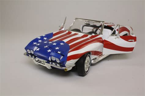 Ertl Corvette With Open Sunroof Die Cast Metal 1 16 Scale ertl 33517 chevrolet corvette stripes