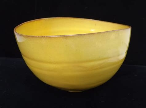 Yellow Vases And Bowls Natzler Canary Yellow Ceramic Bowls Pots And Vases