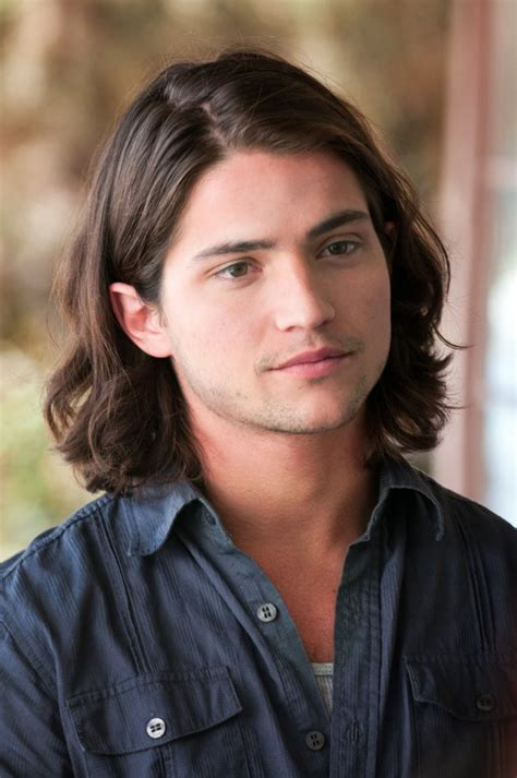 boy actor with long hair thomas mcdonell young barnabas collins tim burton s