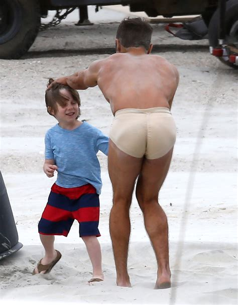 Zac Efron Strips Down On The Set Of Quot Dirty Grandpa
